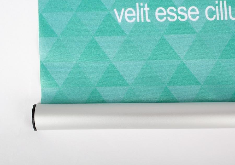 Vista de soporte de aluminio inferior para bandera estandarte colgante para publicidad_plv_textil_cartel