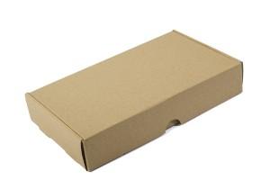 caja de envio cerrada en kraft